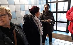 "Elus et habitants lors du ""Conviv'Hall"" rue Paul-Langevin"