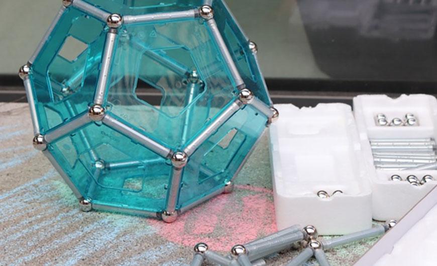 Jeu de construction polyèdres
